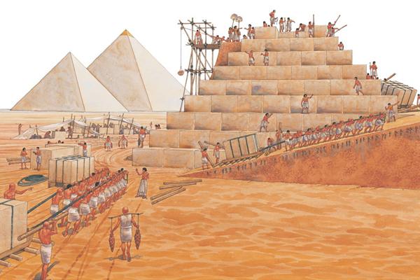 Египтяне строили пирамиды.