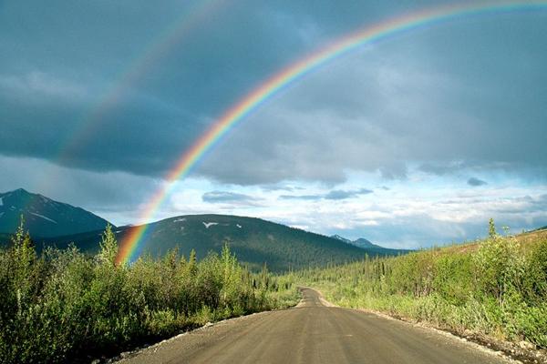 Отчего радуга такая разноцветная?