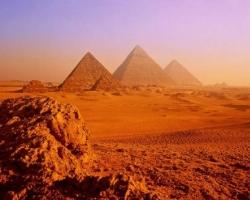 Зачем египтяне строили пирамиды?