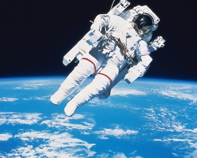 фото космонавты в космосе